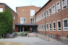 The main entrance to the Department of Medical Epidemiology and Biostatistics (MEB) at Nobels väg 12A.