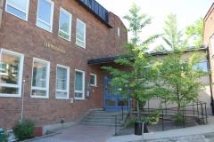 Pharmacology building, Entrance, Nanna Svartz väg 2, May 2018