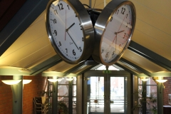 The clock in the reception